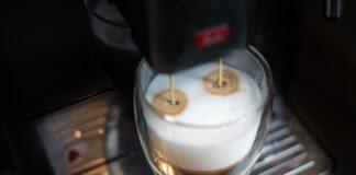 ekspres do kawy z młynkiem, automatyczny ekspres do kawy