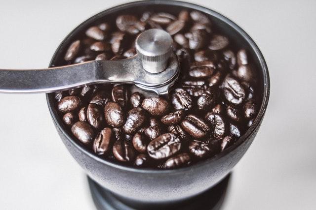 młynek do kawy żarnowy