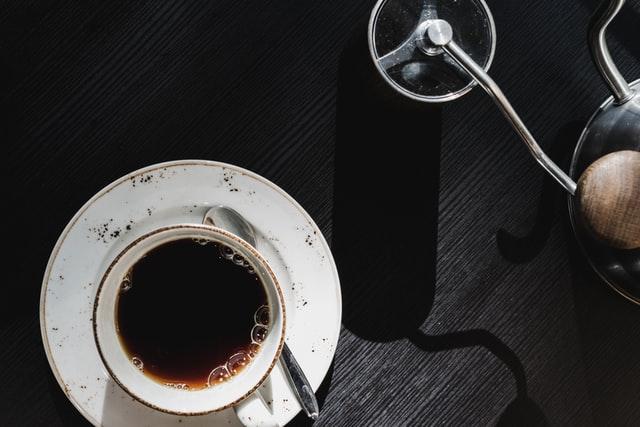 młynek do kawy ręczny